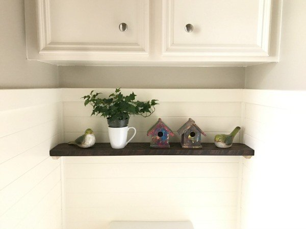 5 steps to our DIY bathroom remodel - shelf decor