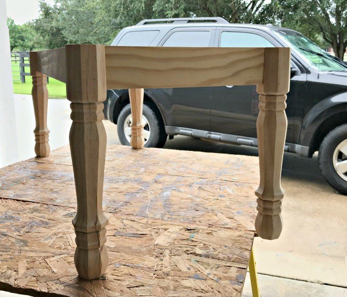 Build an easy Modern Farmhouse DIY Entryway Bench today. Can be painted or stained and upholstered or hard top. This is an easy build for beginners. The legs are from Lowe's. #DIYBench #Entryway #EntrywayBench #UpholsteredBench #BedBench #AbbottsAtHome
