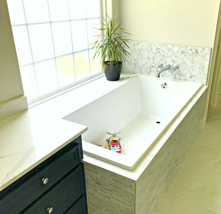 The Latest Master Bathroom Remodeling Pictures!
