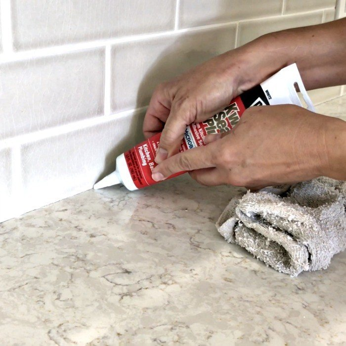 How to Caulk A Kitchen Counter – Quick Steps & Video