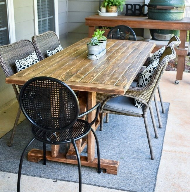 DIY Farmhouse Outdoor Table from 2x4's