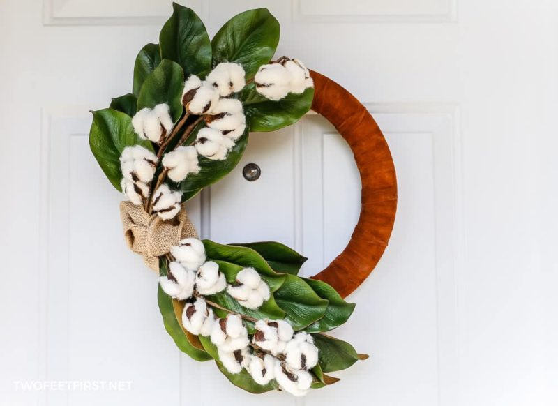 DIY Winter Magnolia Leaf Wreath