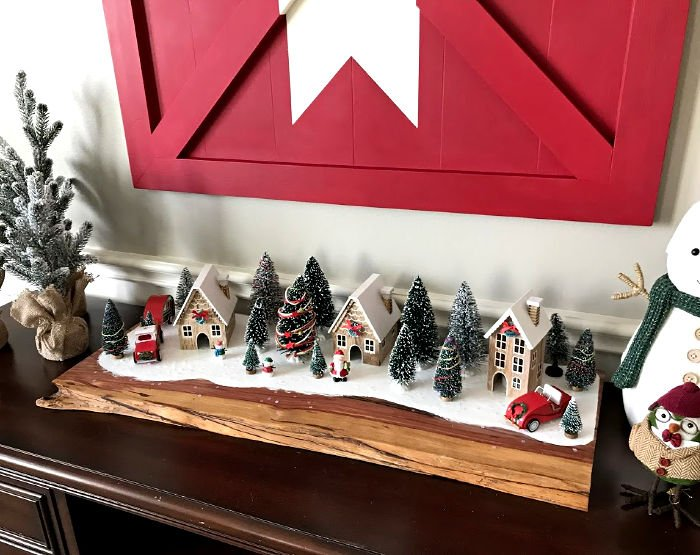 How to steps and video to build this Wooden DIY Barn Door Star Art. Pottery Barn Inspired knock off you can build for $20. #woodworking #diyprojects #diyhomedecor #potterybarn #AbbottsAtHome